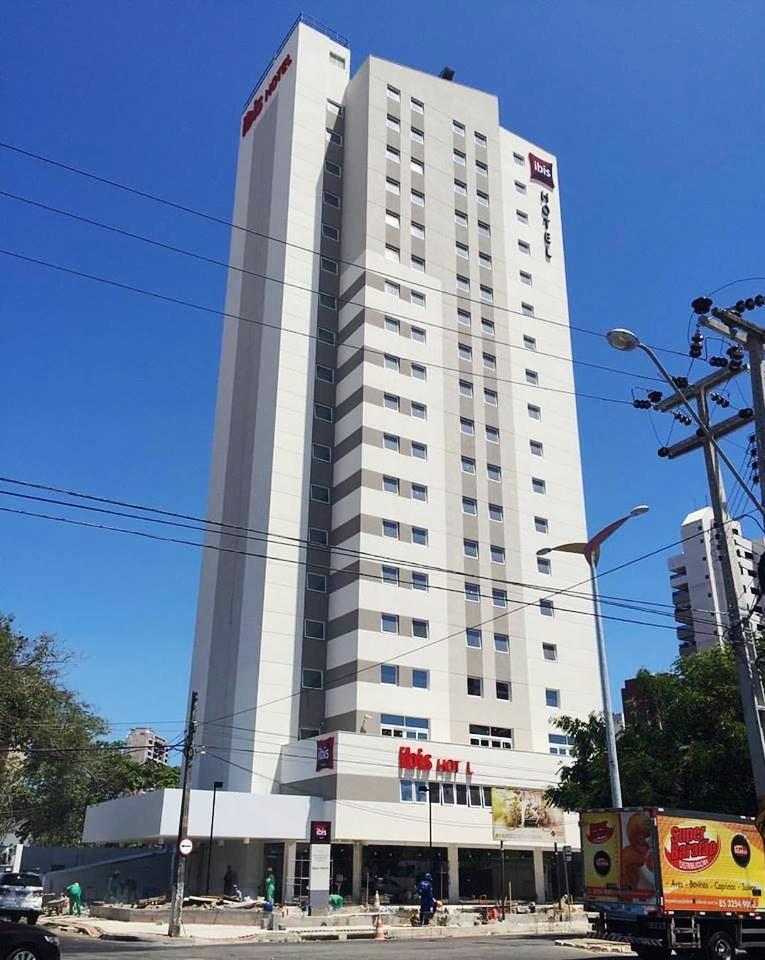 Ibis junto ao centro de eventos de Fortaleza<br>Fortaleza / CE