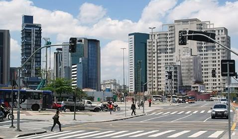 Residencial com serviços próx. à Rua Cardeal Arcoverde<br>São Paulo / SP